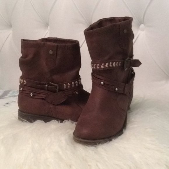 boots for girls size 7